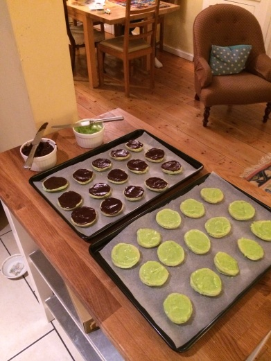 Lime macarons with fillings