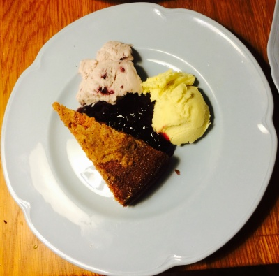 Cape grape cake with two ice creams
