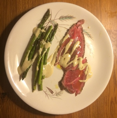 Carpaccio with griddled asparagus with sesame sauce